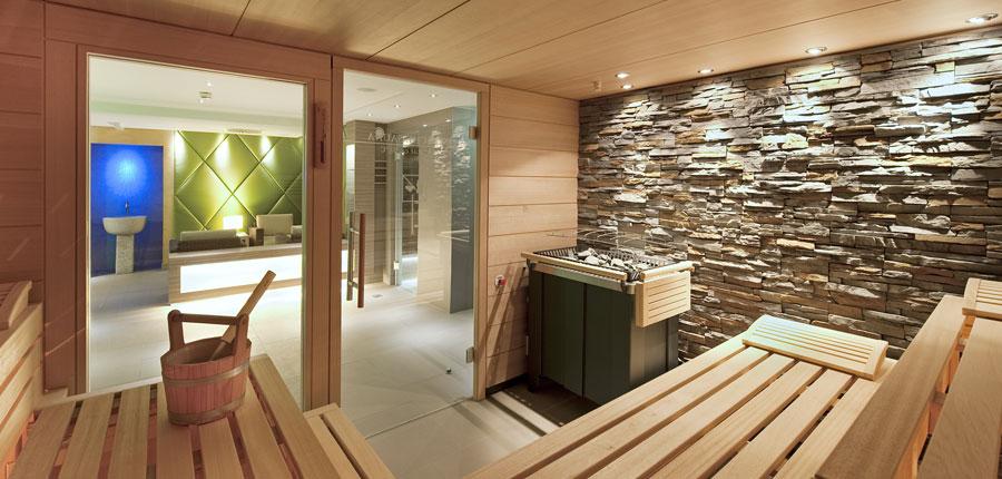 Hotel Schweizerhof, Kitzbühel, Austria - sauna.jpg